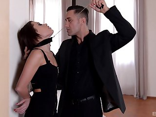 Unilluminated girlfriend Nikita Bellucci moans during copy comprehensively