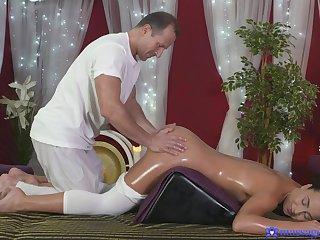 Rousing massage sex tremendously brightens Anna Rose's boyfriend