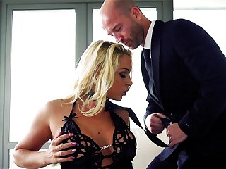 Guy in suit fucks classy MILF while playing dominant forth her