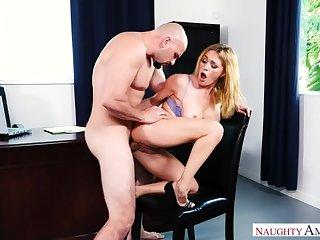 Caucasian Krissy Lynn fucking in hammer away chair with her big bowels