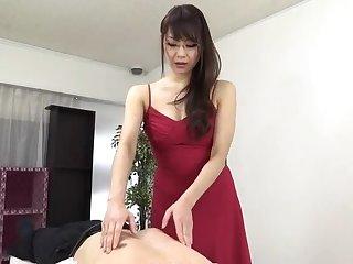 Sugar east nourisher Nanami Hirose is fingering her pussy