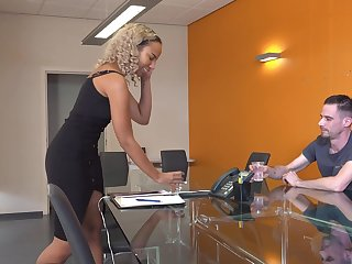 Quickie interracial sex in rub-down the office with Ilona Swangerman