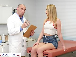 Hardcore shagging in dramatize expunge doctor's office with hot Daisy Stone
