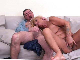 Matured loads pussy and mouth with a strong dong