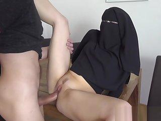 Unhealthy MUSLIM NIQAB GIRL