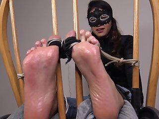 Masked tickle