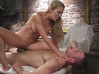 Blonde in tights anal fucks chap seating for